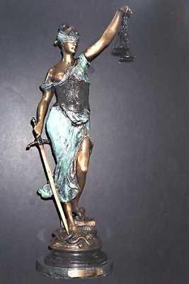 Статуята на Юстиция